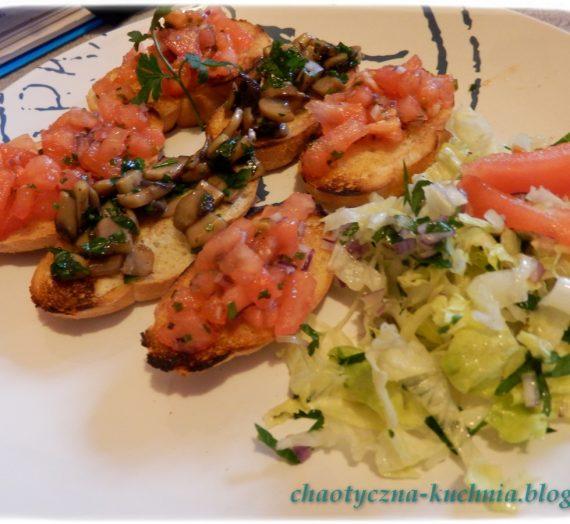Bruschetta (grzanki) z pomidorami i/lub pieczarkami